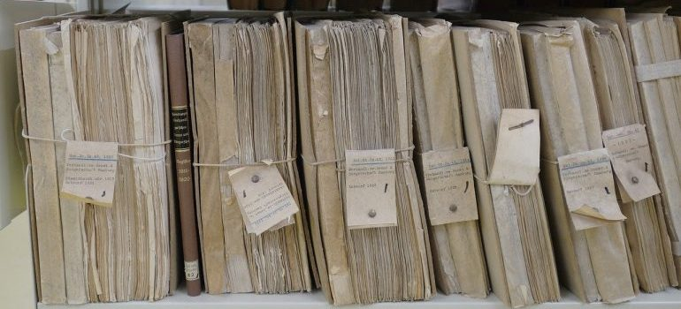 documents - packing a file cabinet
