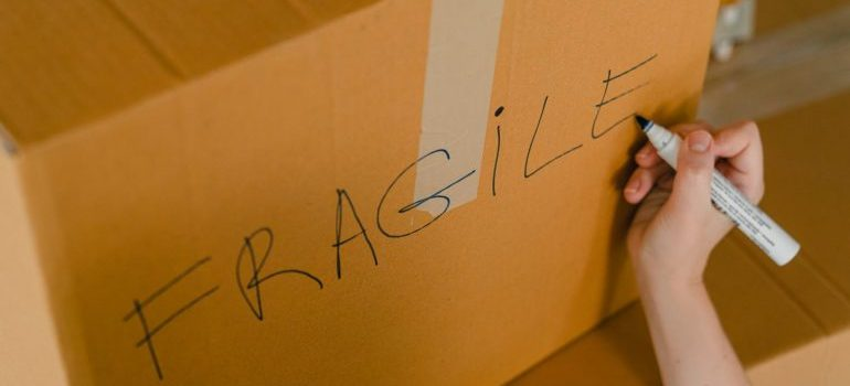the box with fragile label
